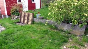 Betonnen muurtjes weg, plant helemaal links verplaatsen