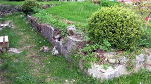 Betonnen muurtjes uit de jaren vijftig brokkelen af
