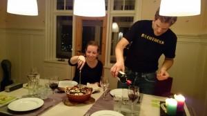 Wij laten ons verwennen door de kookkunsten van de jongelui :-)