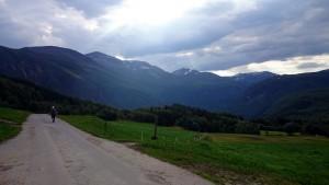Over Storåsen. In de verte de bergen waar we over moeten.